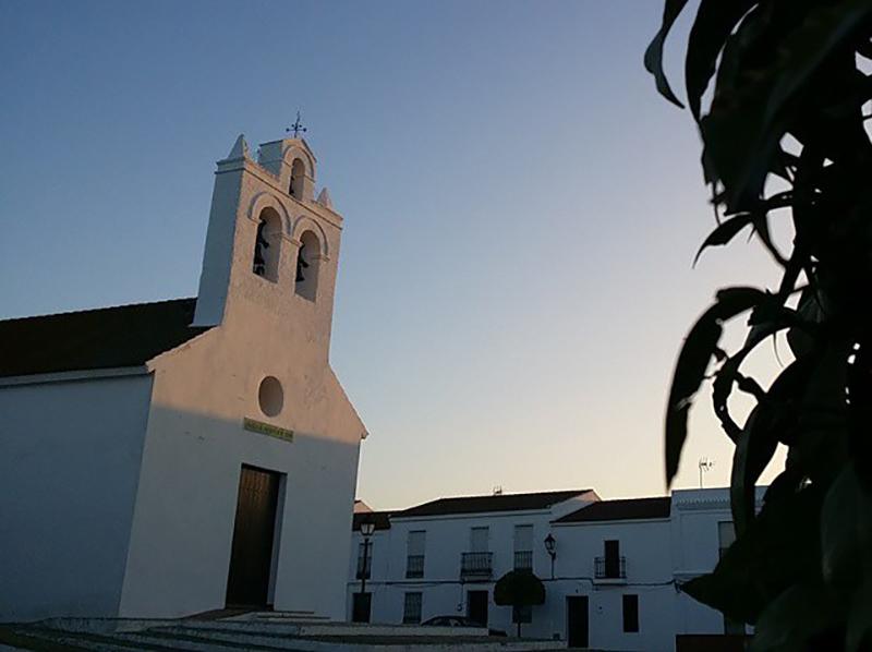 Iglesia de San Silvestre de Guzmán. Autor: @jamacarro.
