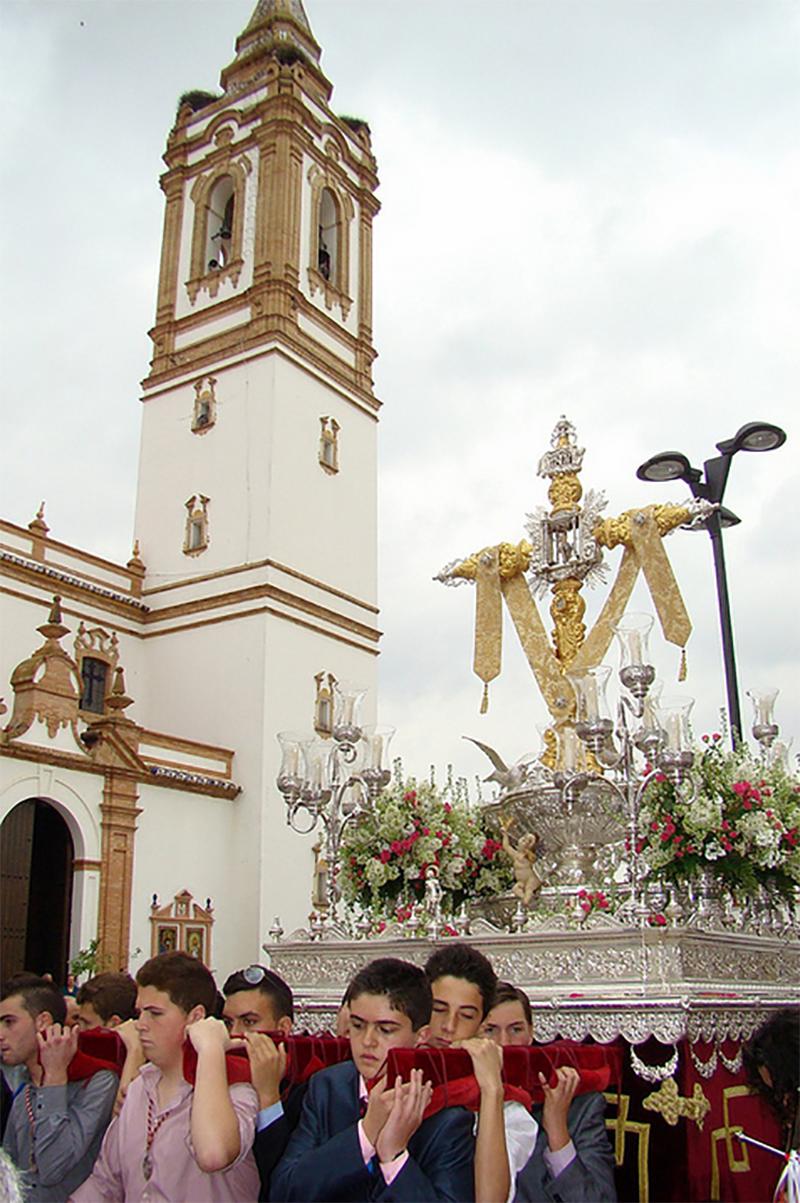 Cruces de Mayo de Rociana del Condado. Fuente: www.cofradesdedaimiel.blogspot.com.es