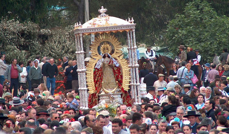 Procesión de la Virgen de Montemayor el domingo de romería.