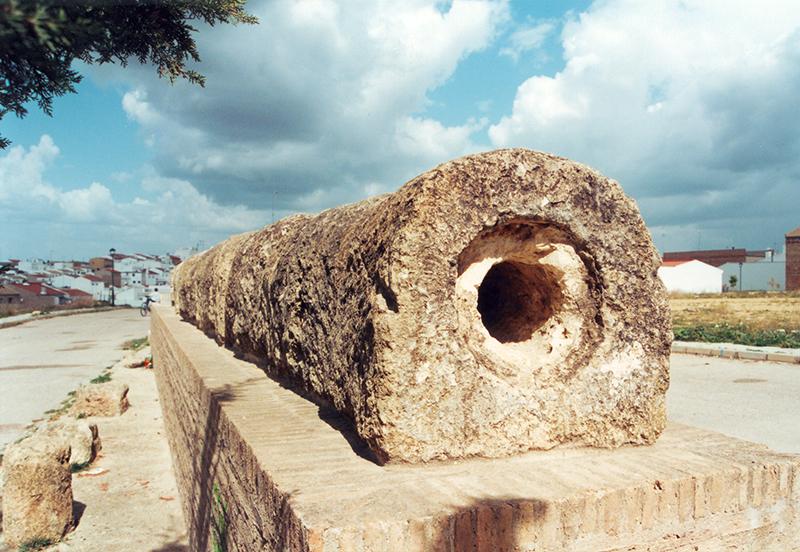 Tramo del acueducto romano que puede visitarse en la localidad de Paterna del Campo.