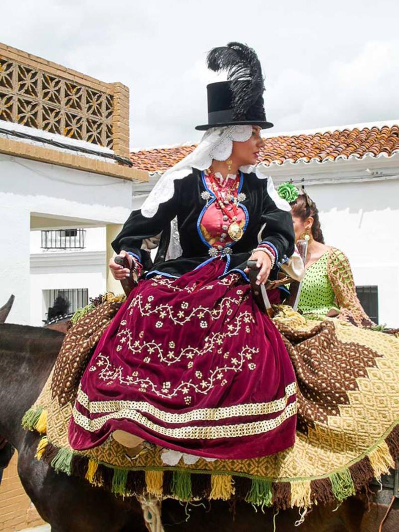 Gabacha a caballo. Autor: Antonio Pereira.